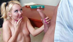 Blonde Aaliyah Love is a bad girl who wears no panties under her really short skirt. Professor Preston Parker is going to change the rendezvous but he finds ourselves fucking her shaved fist pussy instead