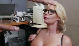 Business woman Phoenix Marie is a curvy slut who loves fucking with her employees. Energetic milf with upper case breast and thick nuisance takes Johnny Sins dick eagerly. He loves her body and bangs her the way she loves it