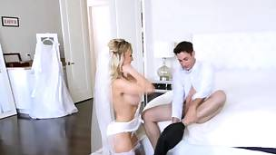 babe blonde blowjob